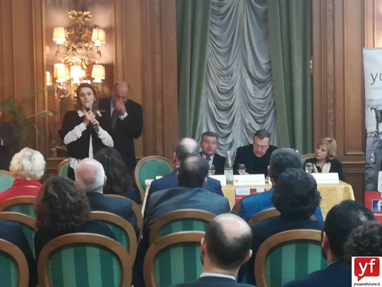 Renata Bueno, parlamentare italo-brasiliana, durante il suo intervento.